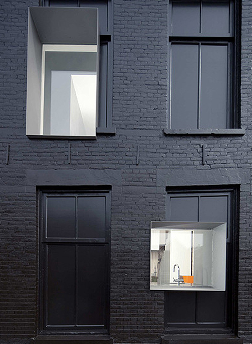 black perl in rotterdam coultique. Black Bedroom Furniture Sets. Home Design Ideas