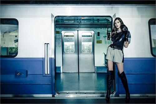 brian_haider_train_love_06_coultique