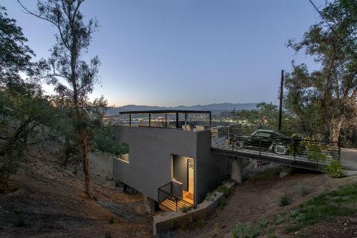 anonymous_architects_car_park_house_front_coultique