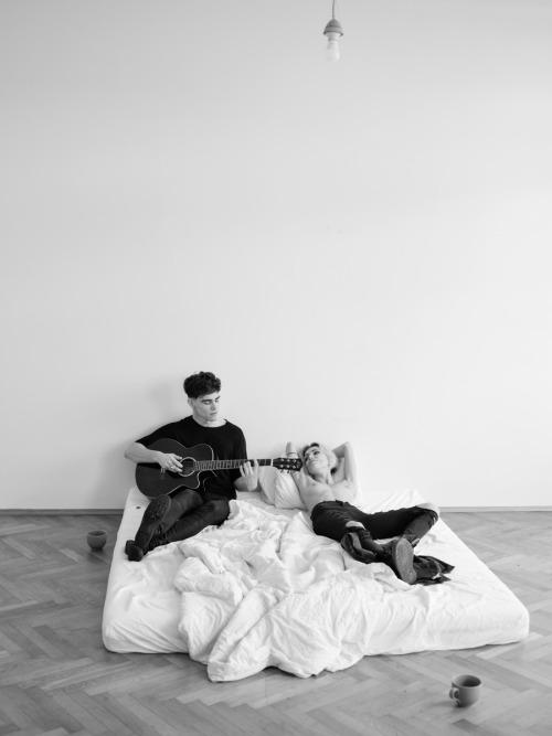 lukas_dvorak_guitar_and_cigarettes_12_coultique