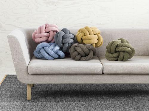 ragnheidur_oesp_sigurdardottir_knot_cushion_front_coultique