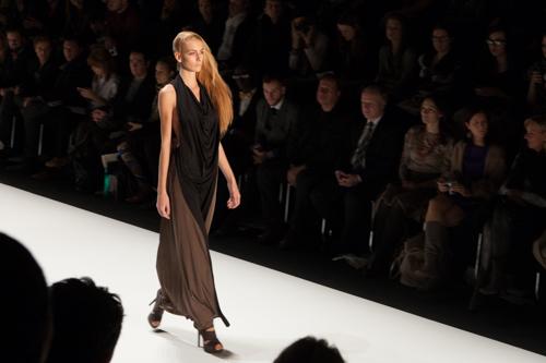 julia_kiecksee_mercedes_benz_fashion_week_fahrenheit_08_coultique