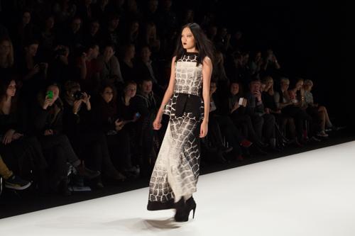 julia_kiecksee_mercedes_benz_fashion_week_irina_schrotter_01_coultique