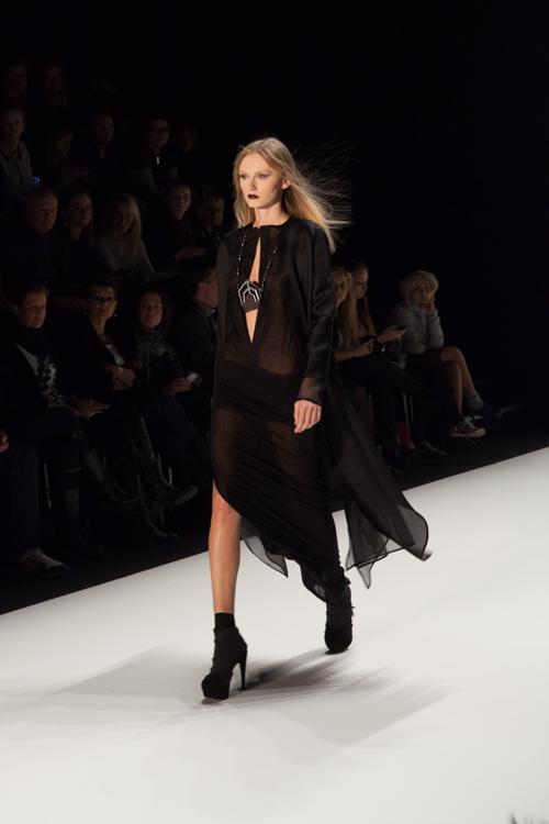 julia_kiecksee_mercedes_benz_fashion_week_irina_schrotter_09_coultique