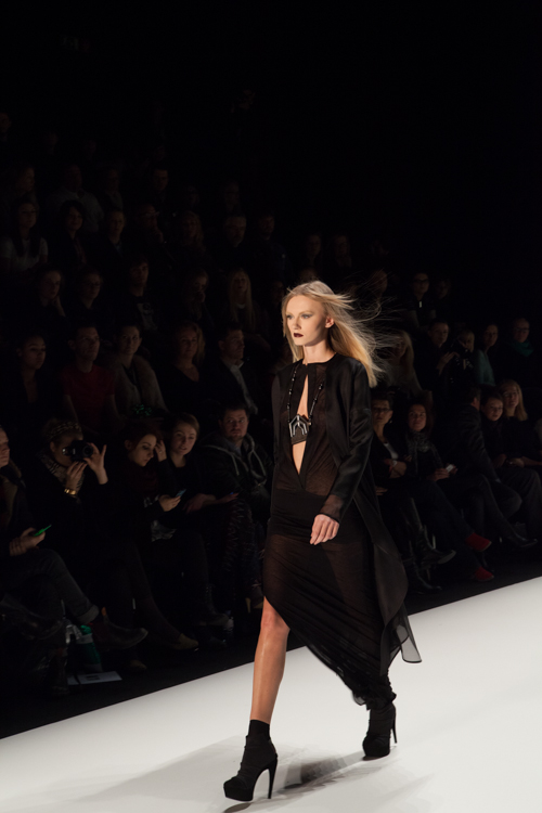 julia_kiecksee_mercedes_benz_fashion_week_irina_schrotter_10_coultique