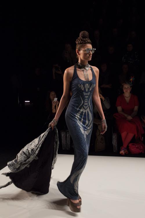 julia_kiecksee_mercedes_benz_fashion_week_miranda konstantinidou_02_coultique