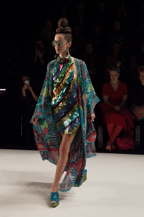 julia_kiecksee_mercedes_benz_fashion_week_miranda konstantinidou_04_coultique