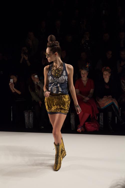 julia_kiecksee_mercedes_benz_fashion_week_miranda konstantinidou_05_coultique