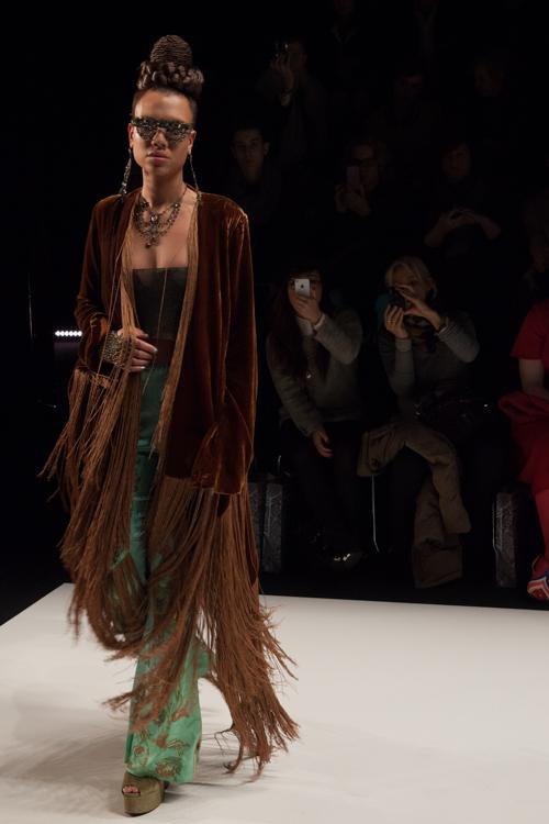 julia_kiecksee_mercedes_benz_fashion_week_miranda konstantinidou_07_coultique