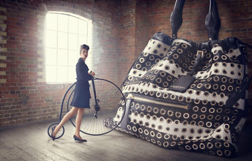 lucia_giacani_the_big_bag_theory_01_coultique