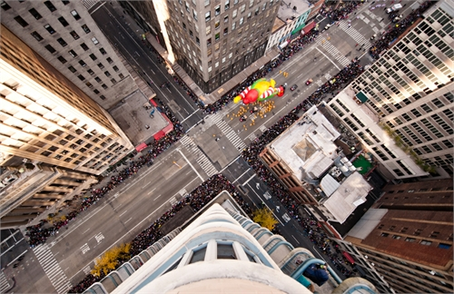 navid_baraty_intersection_macys_day_parade_01_coultique
