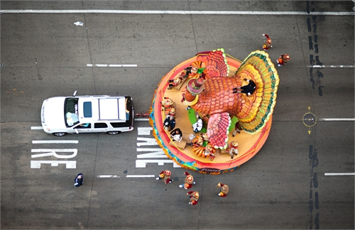 navid_baraty_intersection_macys_day_parade_15_coultique