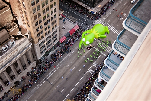 navid_baraty_intersection_macys_day_parade_17_coultique