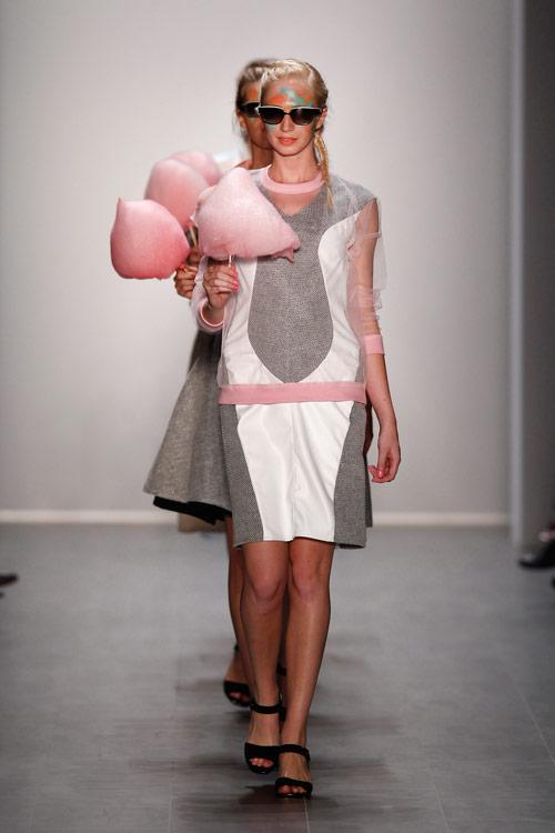 rebekka_ruetz_a_suitcase_full_of_dreams_ss15_34_coultique
