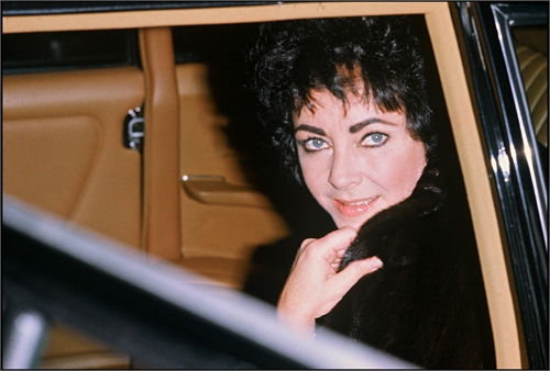 ARCHIVES - ELIZABETH TAYLOR A GSTAAD