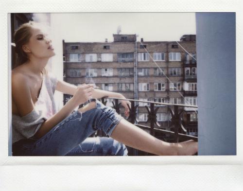julia_chernih_polaroid_babes_11_coultique