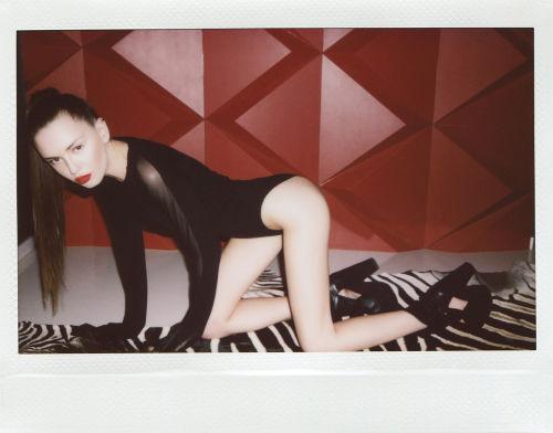 julia_chernih_polaroid_babes_24_coultique