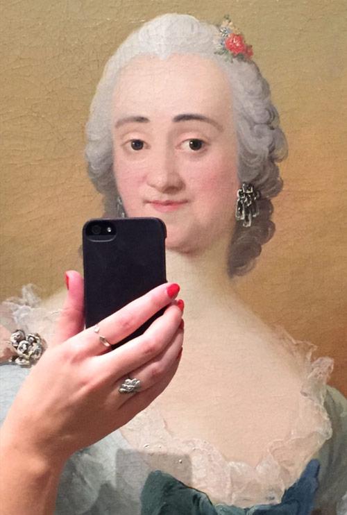 olivia_muus_museum_historical_portrait_selfie_02_coultique