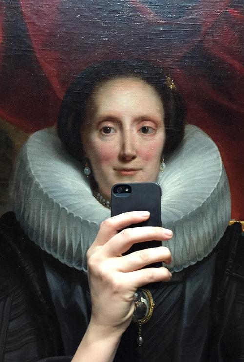 olivia_muus_museum_historical_portrait_selfie_04_coultique