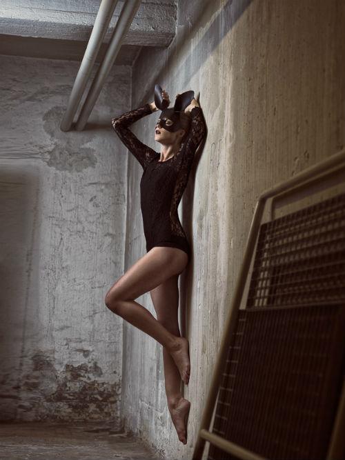 ole_martin_halvorsen_dark_bunny_02_coultique