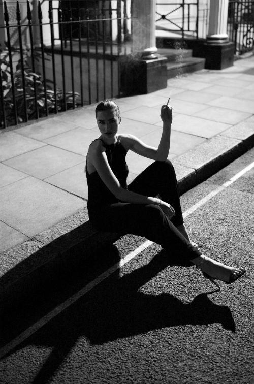 j_konrad_schmidt_smoking_break_in_london_01_coultique
